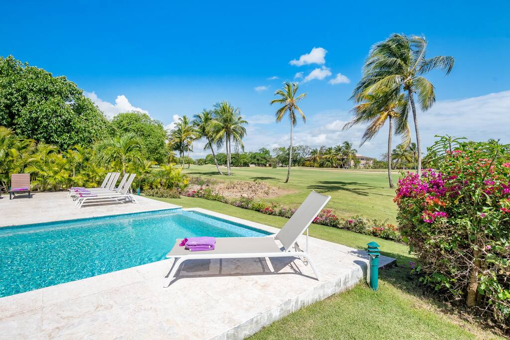 Casa Bonita villa for rent in Punta Cana – golf front with pool, jacuzzi & maid - Everything Punta Cana