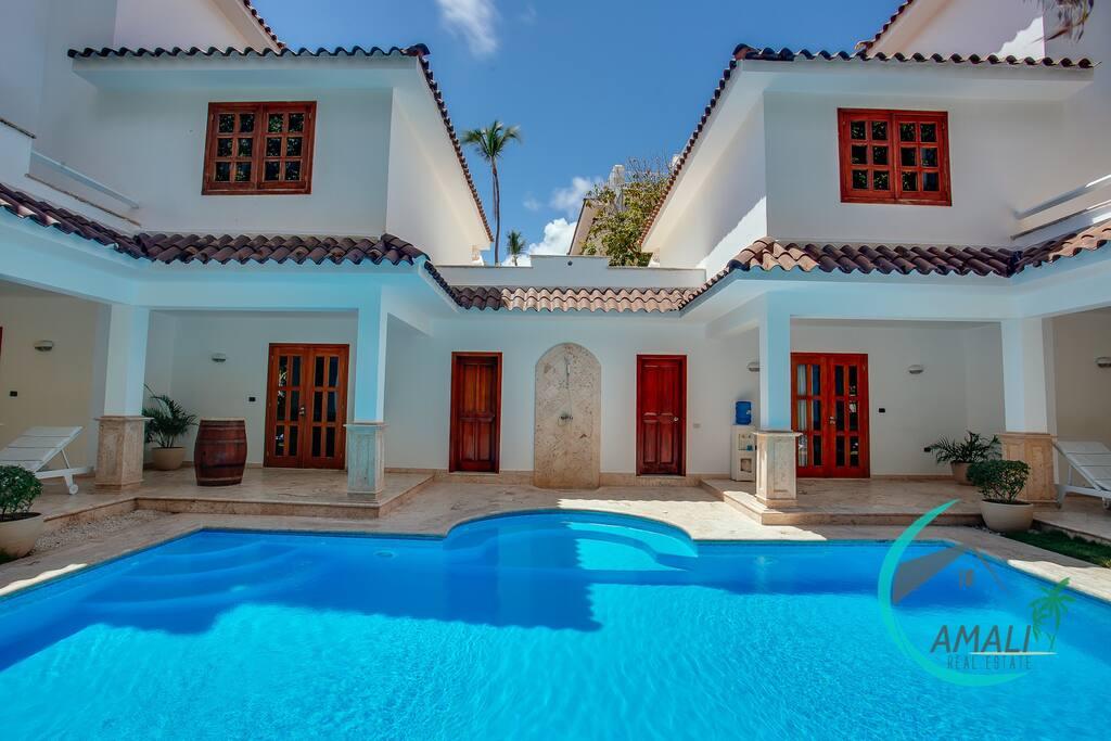 pool&villa view
