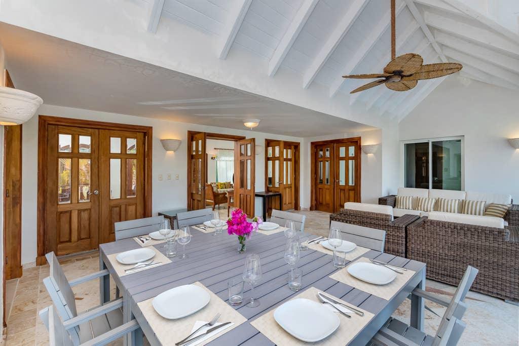 Villa Santa Cruz – Luxury villa in Punta Cana for rent – pool, jacuzzi, maid, 500 ft. to beach - Everything Punta Cana