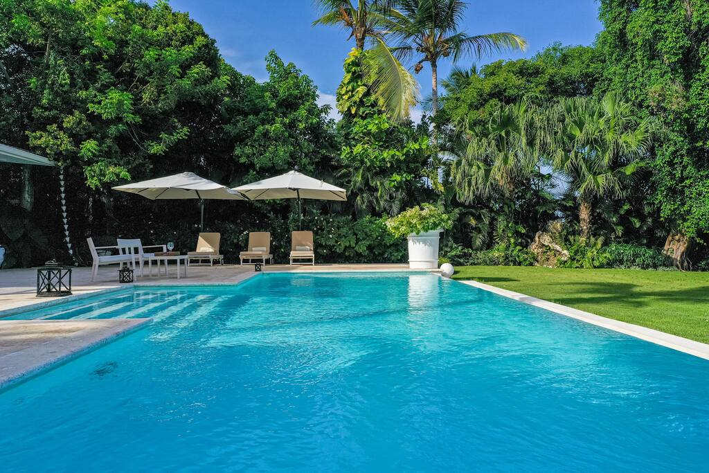 Luxury villa golf front for rent in Punta Cana – pool & maid - Everything Punta Cana