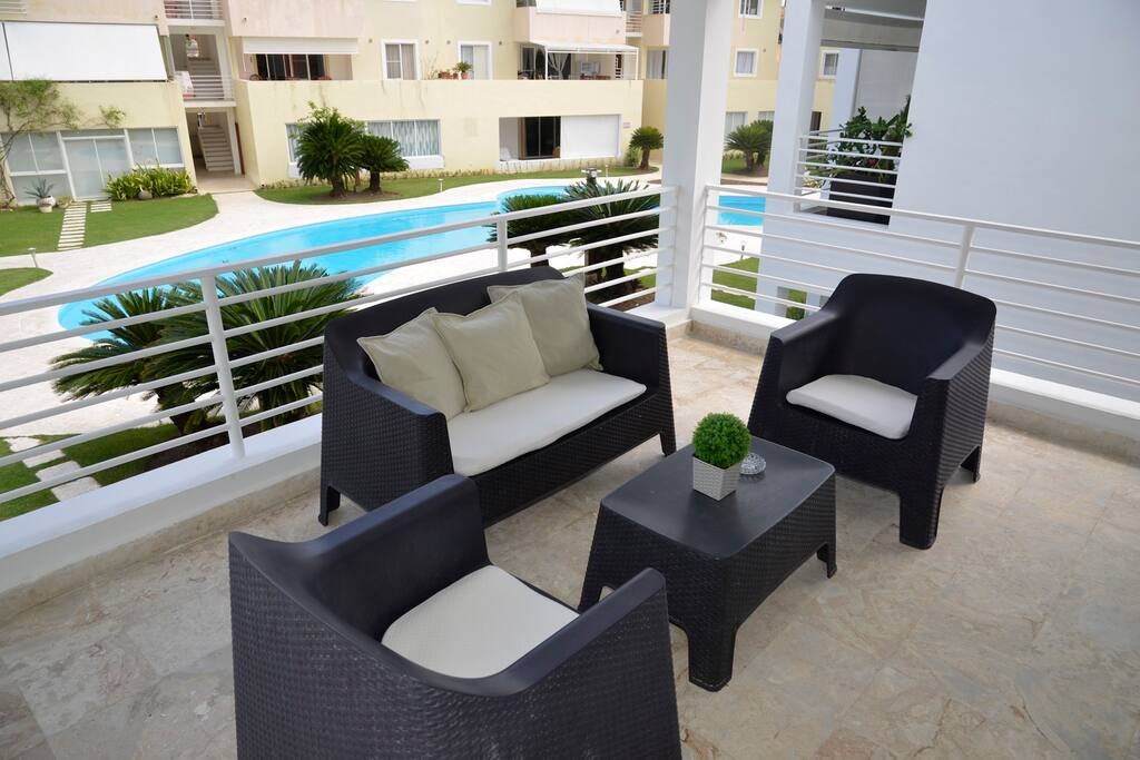 Spacious Terrace overlooking the residential common Pool