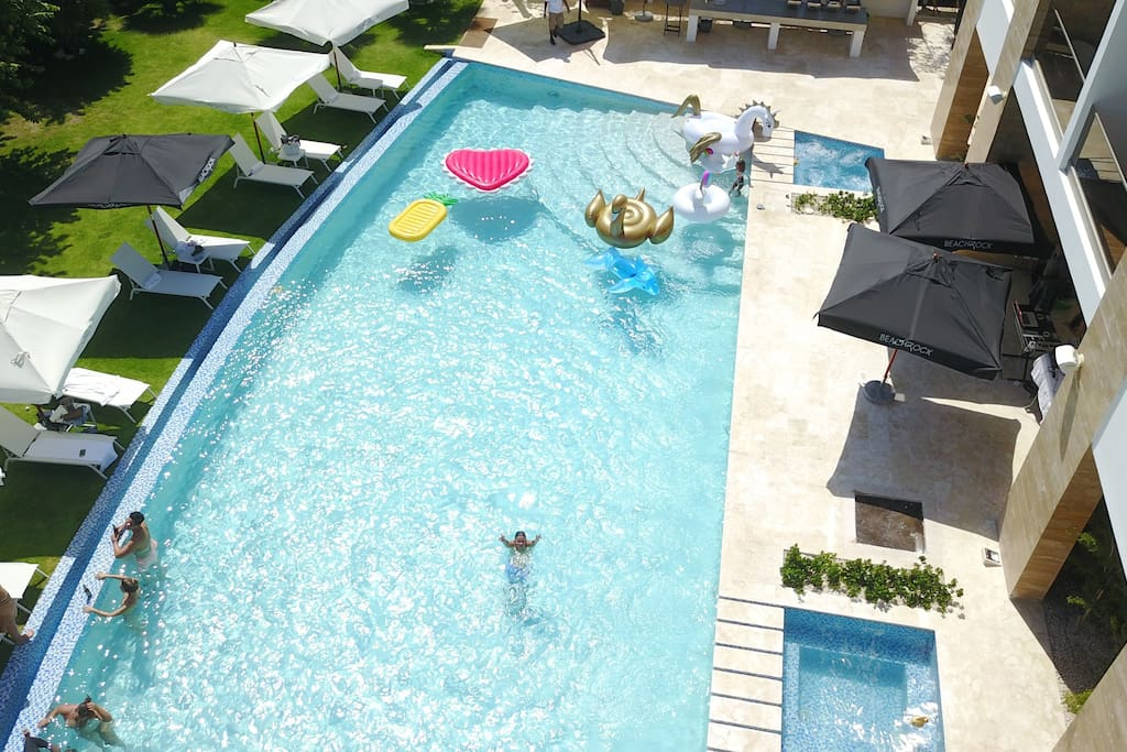 A huge swimming pool for the most comfortable and luxurious vacation.
