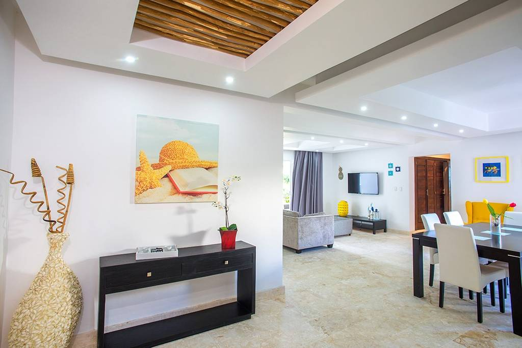 Welcome to our 3-bedroom cozy, fully equipped apartment with swimming pool and sun loungers. Best beachfront location close to everything you need. Amazing place for your perfect beach holiday!