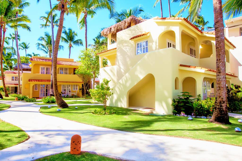 Tropical Retreat Right on Los Corales Beach – Punta cana - Everything Punta Cana