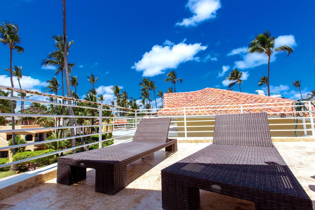 VIP Pool Deluxe Condo Beach Majestic with Terrace & Pool - Everything Punta Cana