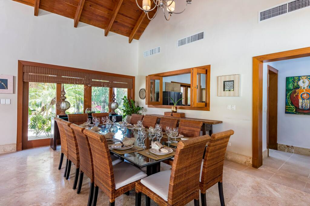 Luxury villa for rent in Punta Cana – pool, jacuzzi, golf cart, bikes - Everything Punta Cana