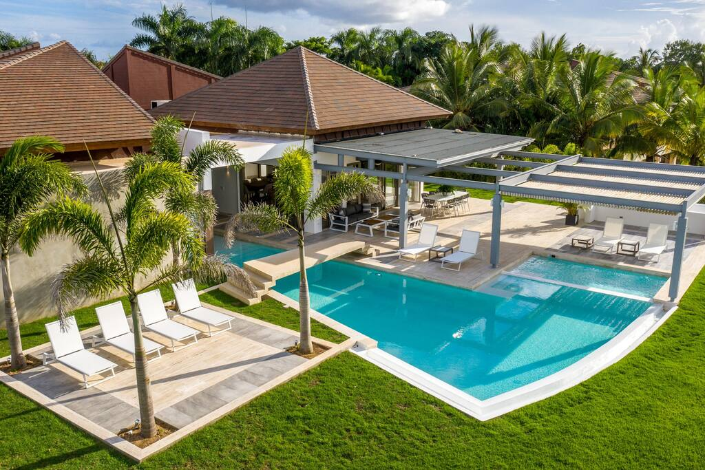 Amazing luxury villa for rent – pool, jacuzzi, golf cart, staff - Everything Punta Cana