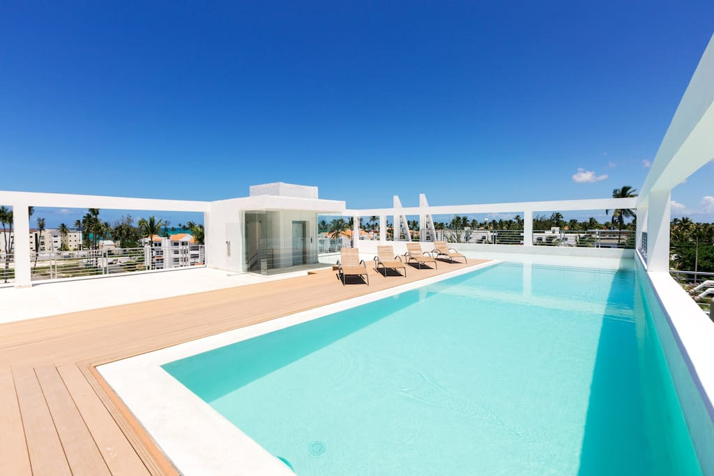 Deluxe Penthouse Rooftop Pool Beach Club for 6 people - Everything Punta Cana