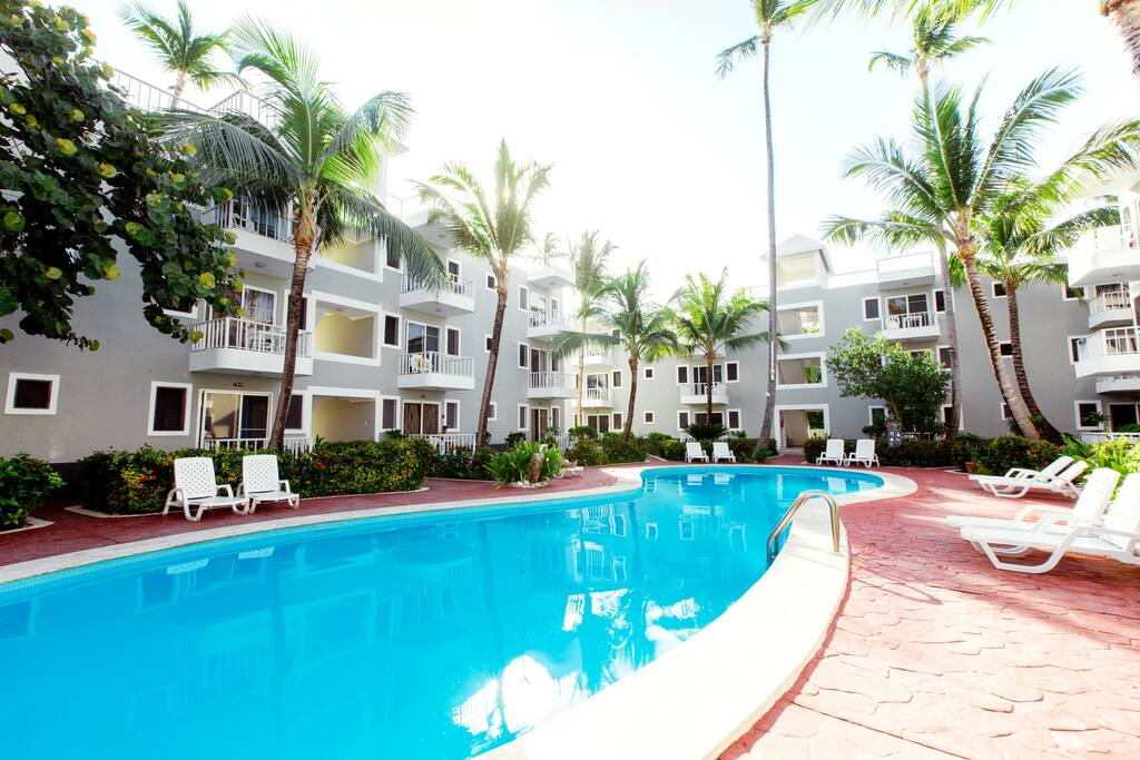 Deluxe Suite with Pool & WiFi for 4 people - Everything Punta Cana