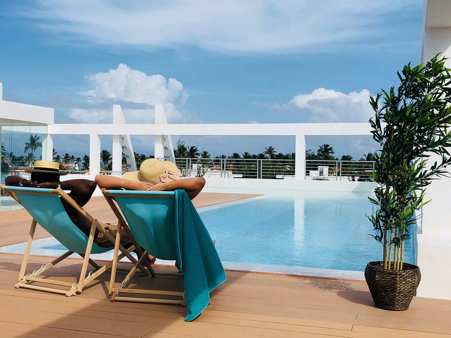 Deluxe Condo Rooftop Pool Beach Club - Everything Punta Cana