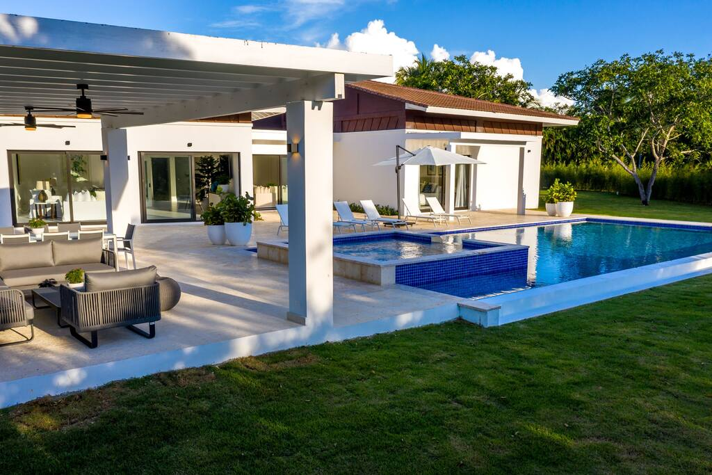Modern Villa for rent in Punta Cana – Cook, Maid & Golf Cart - Everything Punta Cana