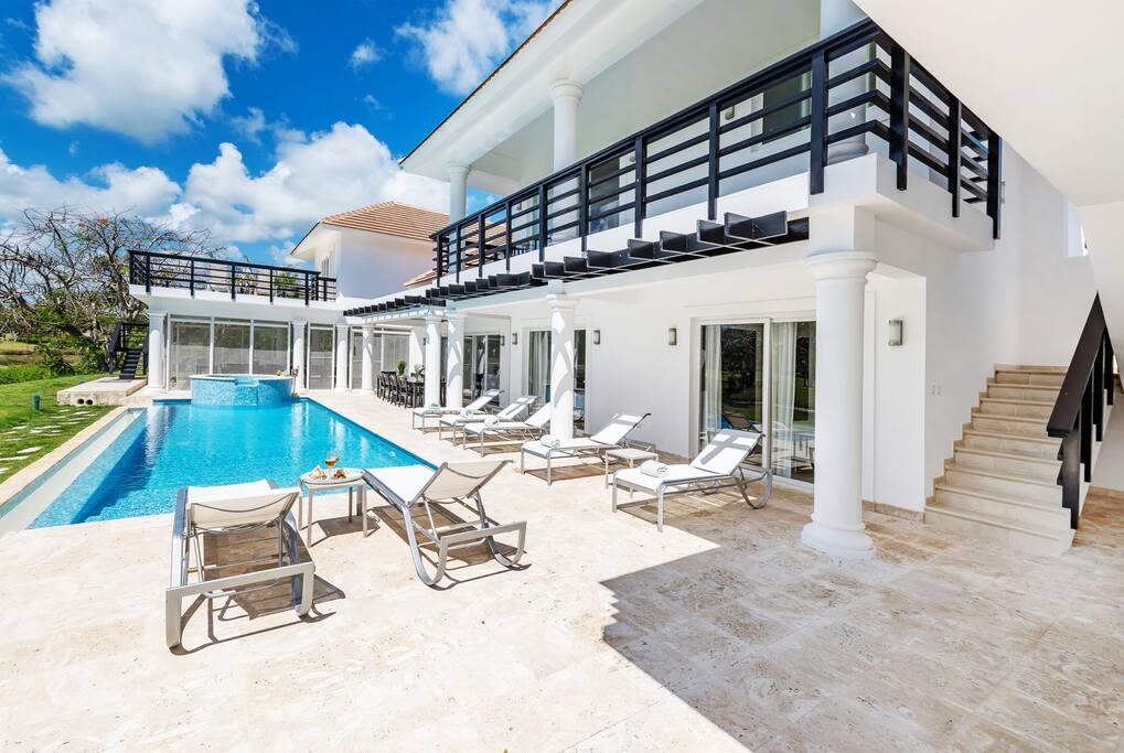 Villa with excellent location!