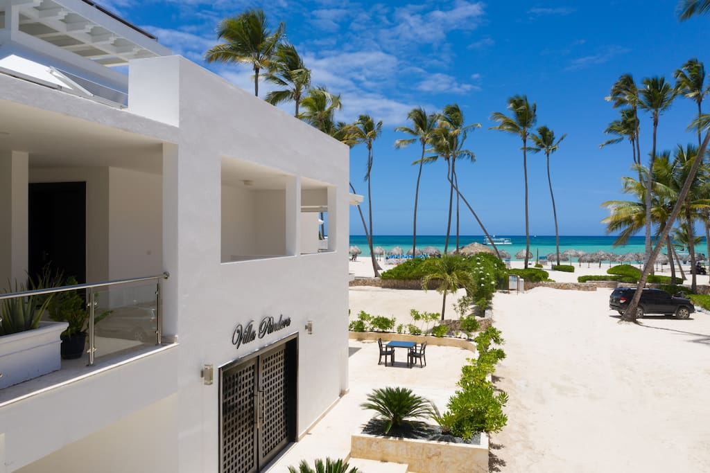 Villa Pandora – Luxury beachfront villa in Los Corales, Bavaro - Everything Punta Cana