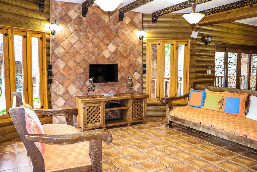Private villa with pools in Jarabacoa resort - Everything Punta Cana