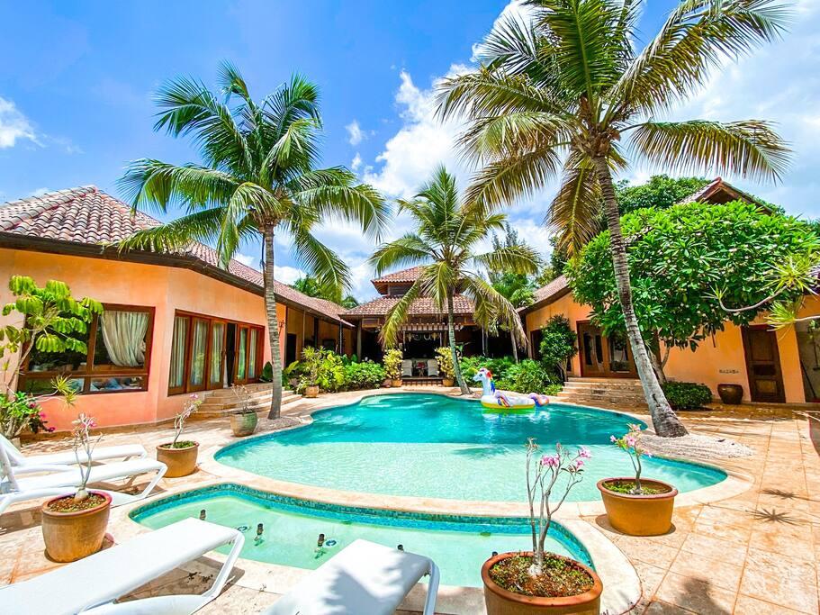 Luxurious single-level villa at Casa de Campo - Everything Punta Cana