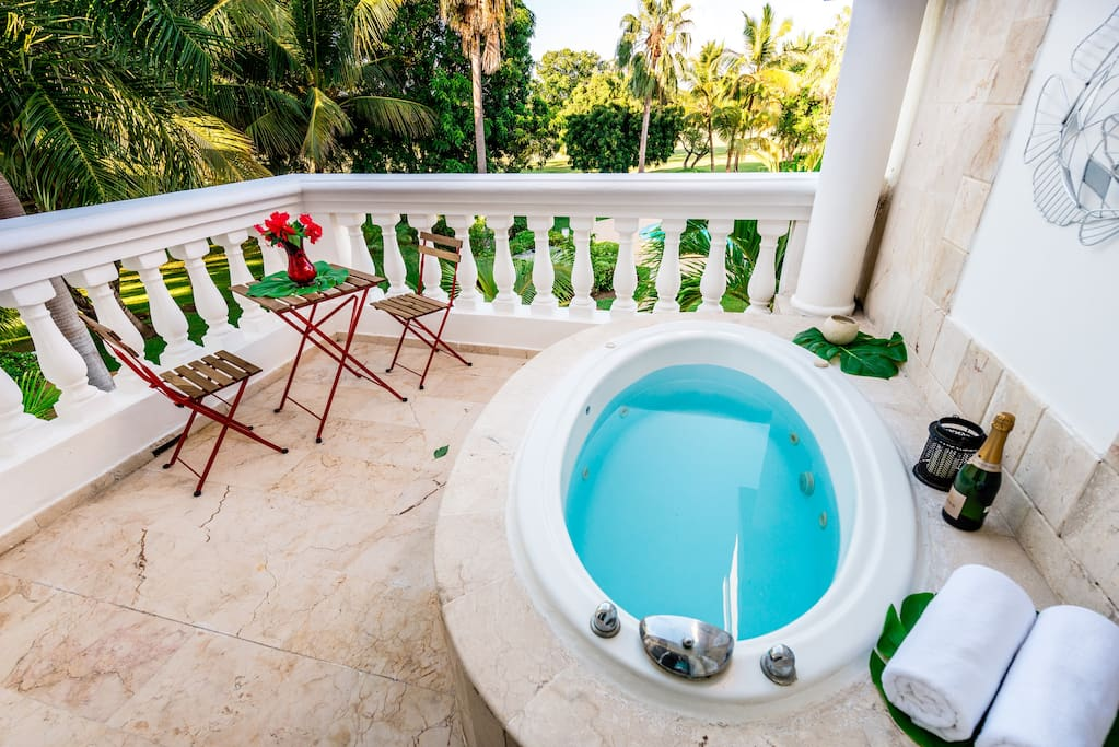 Cozy Apartment with Jacuzzi and Pool in Cocotal - Everything Punta Cana