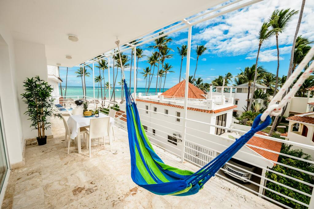 Imagine relaxing in this cozy hammock, while feeling the ocean breeze
