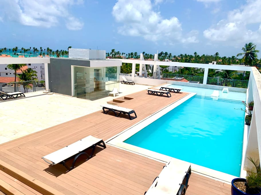 Enjoy your time at the rooftop swimming pool!