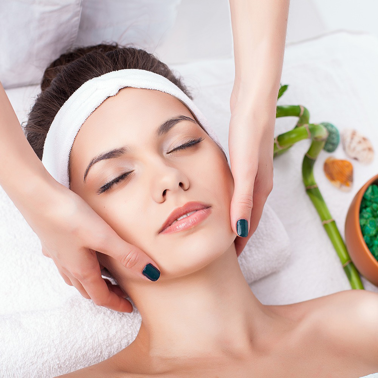 4 Phases Facial Treatment - Everything Punta Cana