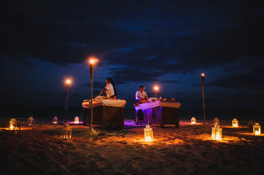 Relaxing massage on the tropical beach