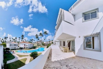 Apartment on Los Corales – Private Beach, Gated Community