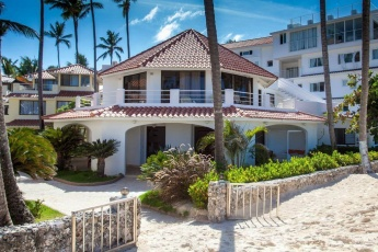 Superior Suite – Breathtaking Ocean View – Right on Los Corales Beach