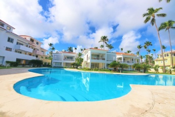 Fantastic Beach Experience – Secure Apartment on Los Corales Beach