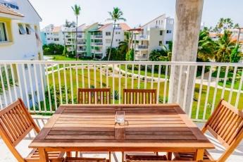 Unique Luxurious Gated Penthouse – Los Corales Beach !!!