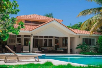 Villa in Cocotal Punta Cana – Secure Community in front of Golf Course