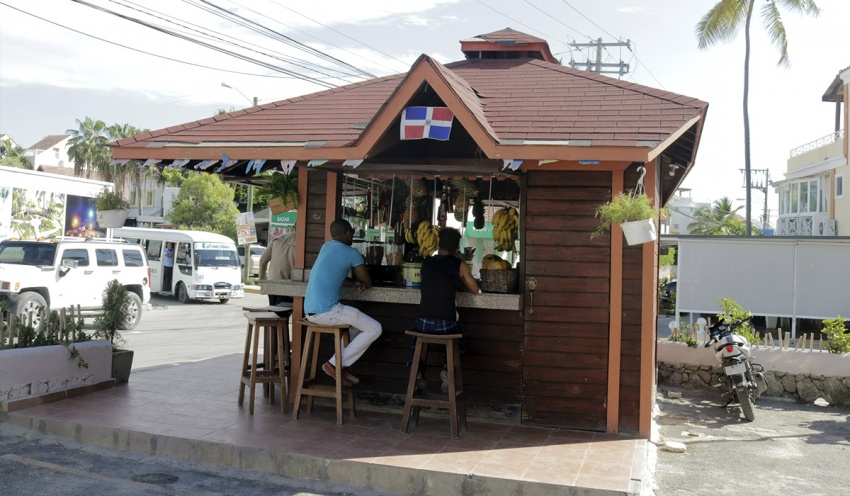 Street stores and kiosks in Punta Cana
