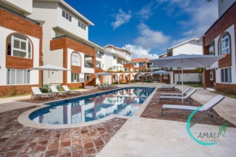 Deluxe Coral Village C-2A, 1 BR, Close to the Beach