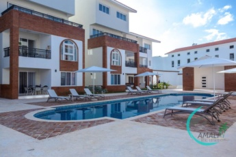Deluxe F-2A, 1 BR, Coral Village, Close to the Beach