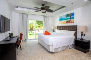 Incredible Beach Condo Elite Suite C1