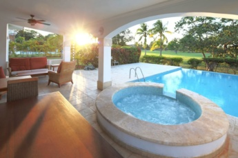 Exquisite Private Pool Villa in Cocotal