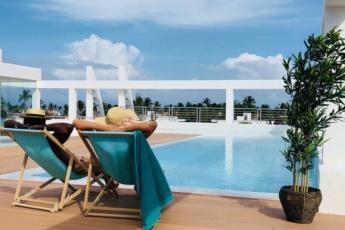 Deluxe Condo Rooftop Pool Beach Club