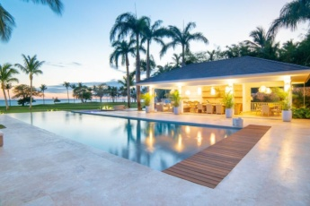 Ocean view villa for rent in Punta Cana – with staff & golf carts