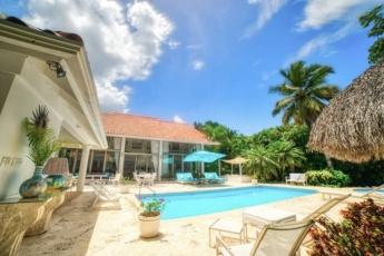 Private Casa de Campo villa – Two-storey villa with pool, jacuzzi and golf car!