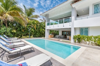 Exclusive Punta Cana Resort and Club Villa — with pool, games, chef, maid