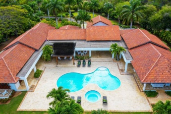 Casa de Campo villa – Luxurious property up to 12 people with pool, jacuzzi, BBQ, golf