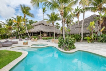 Villa Caleton 5 for rent in Cap Cana – with access to Eden Roc Beach