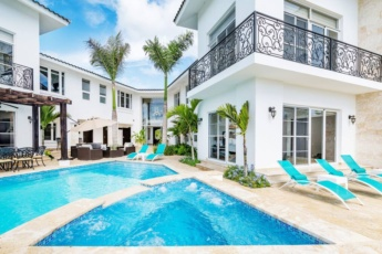 Huge villa for large groups in Bavaro (Cocotal) – Up to 16 people with pool, jacuzzi, chef, maid