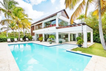 Luxury villa at Cap Cana Resort – Chef, maid, butler and golf cart are included