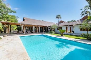 Las Palmas 100 – Luxury villa for rent at Cap Cana, Punta Cana – pool, jacuzzi, golf cart, bikes