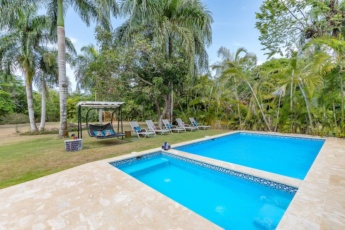 Villa Marina for rent in Punta Cana – near beach, with pool, jacuzzi & maid