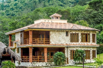 Private villa with pools in the gated complex of Jarabacoa