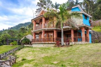 Private villa with pools in Jarabacoa resort