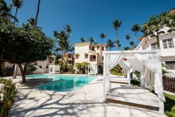 2-Bedroom Bavaro Apartments – Bright Condo Near Playa Bavaro beach (3 min)