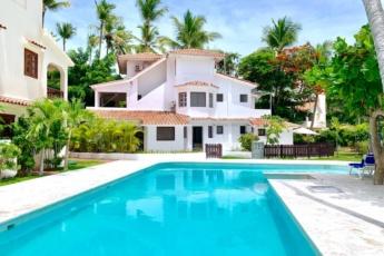 Villa in Bavaro, Punta Cana — Amazing 6 Bedroom Villa a Few Steps from the Beach